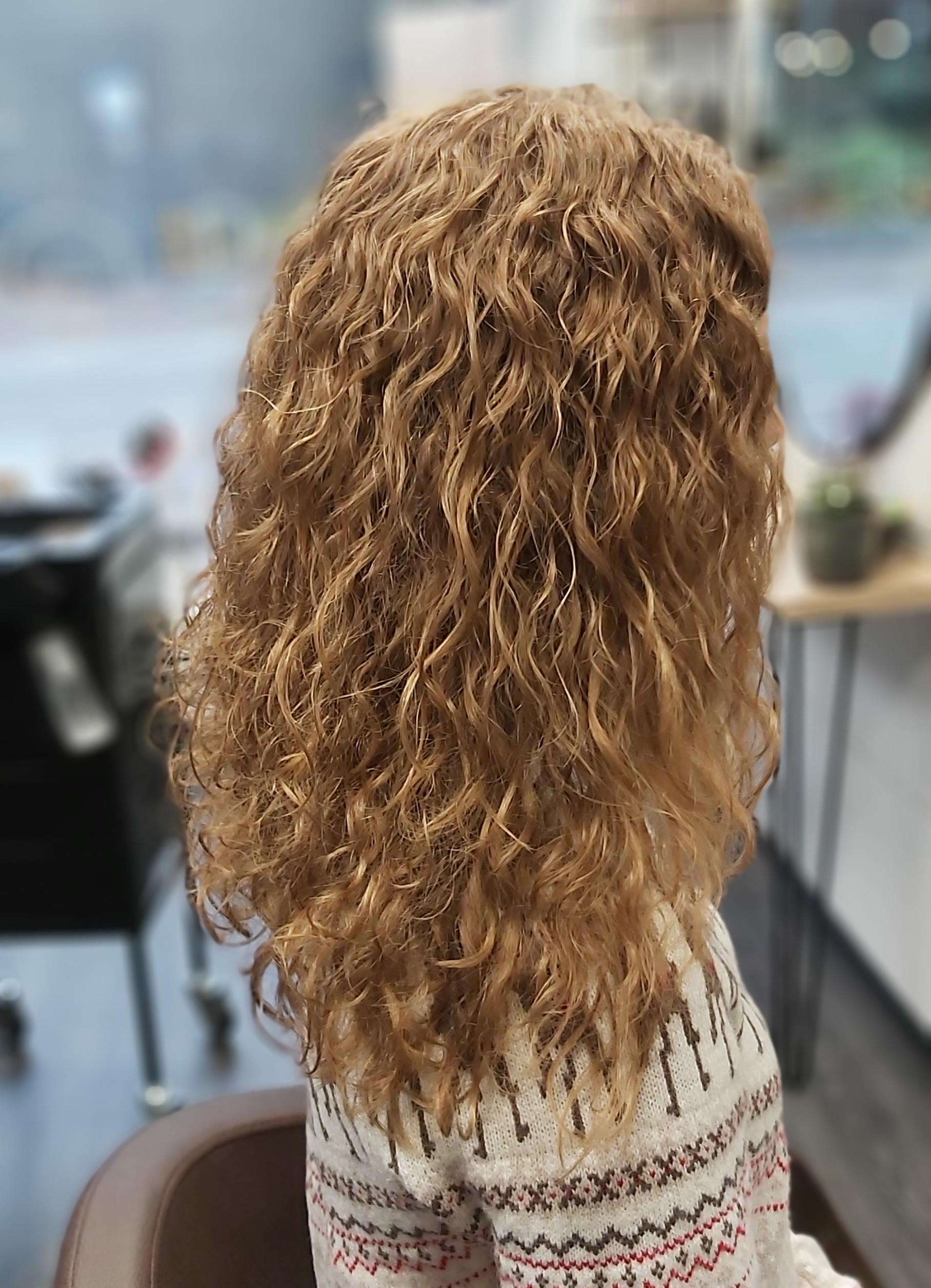 Permis laineet pitkiin hiuksiin